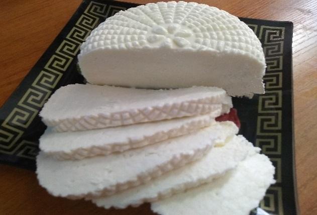 Домашний адыгейский сыр из козьего молока