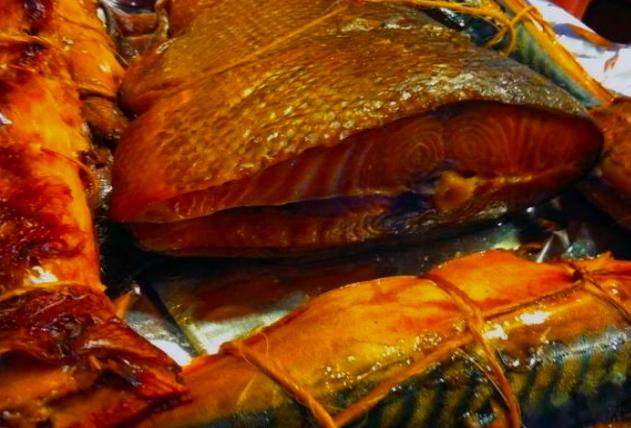 Как коптить рыбу дома